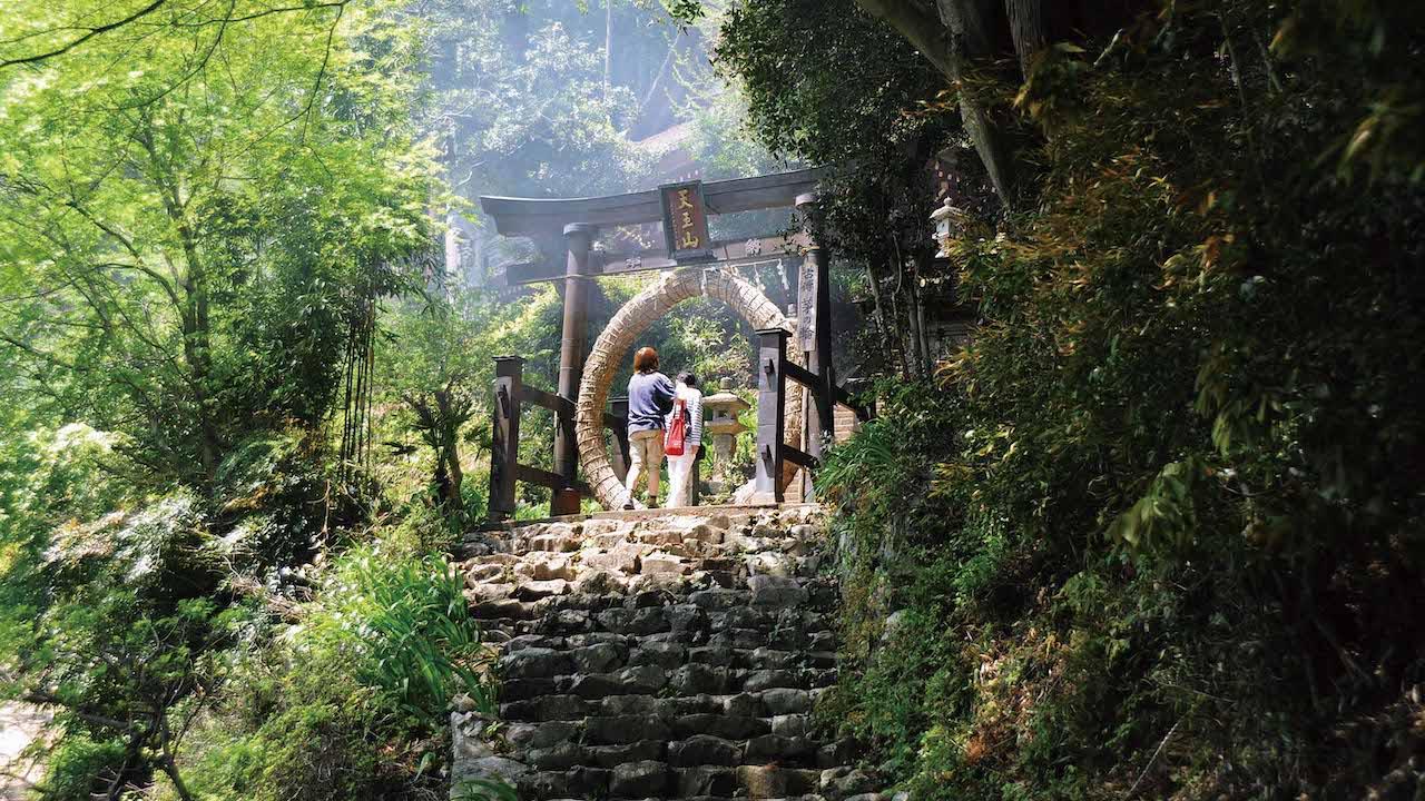 奥武藏地区有丰富的自然景观和历史悠久的寺庙