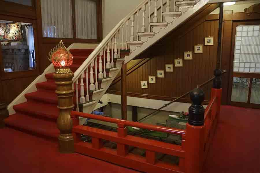 kanaya-hotel-stair