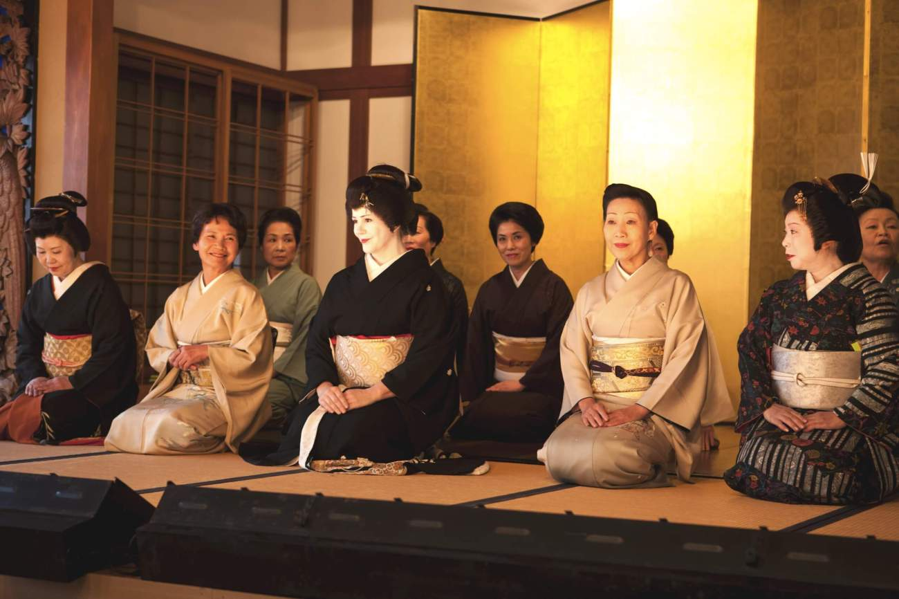 Traditional geisha group