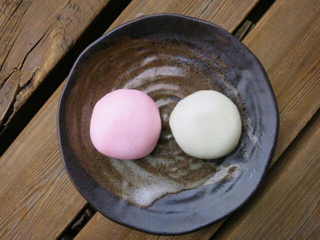 sakura manju ohanami sweets