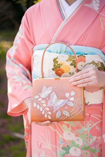 Pattern on front of the kimono obi
