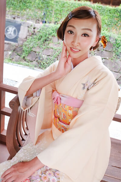 Houmongi-kimono-2