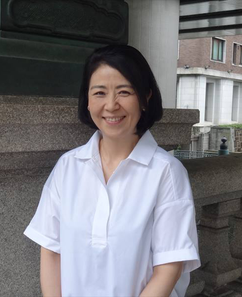 Ms. Miki Sakai Editor-in-chief of Monthly Nihombashi, a monthly community magazine focusing on Nihombashi history and culture, in circulation since 1979