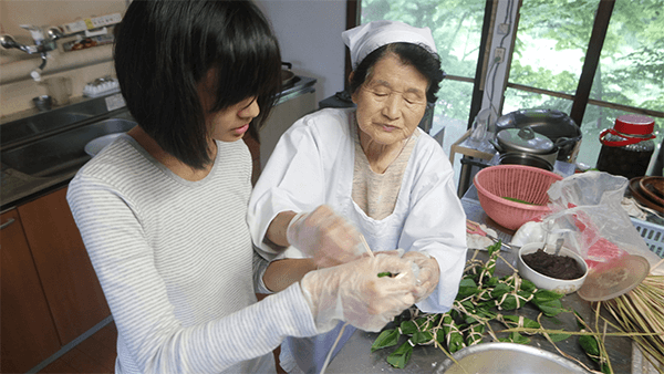 learning-how-to-make-wagashi-filled-with-anko