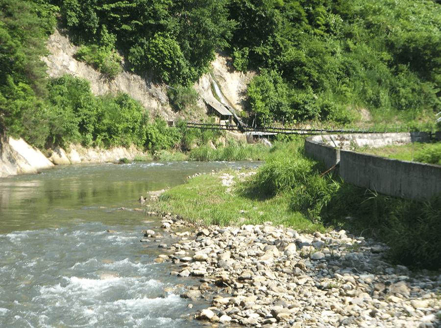river-by-ryokan-in-nishiyama-onsen