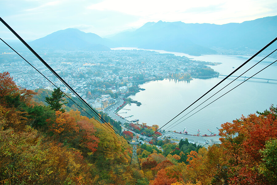 Fabulous view of autumn colors from Mt. Kachikachi Ropeway