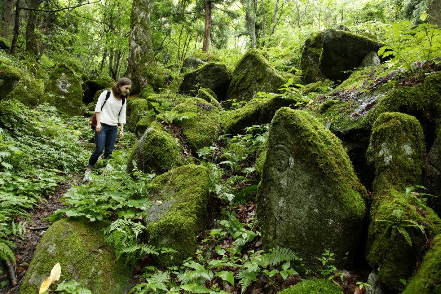 gohyaku-rakan buddhist stones in memory of the dead