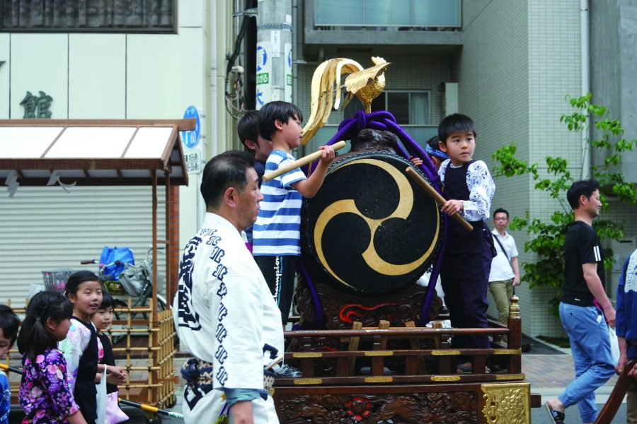 Dashi, a float for children.